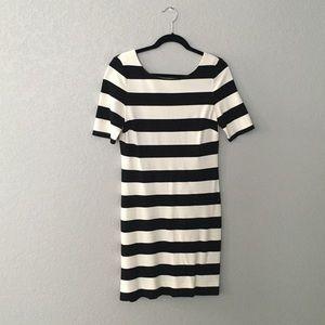 Banana Republic black and white striped dress Sz 6